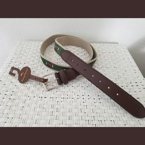 Tommy Bahama Worn Belt Size 42 leather /& canvas
